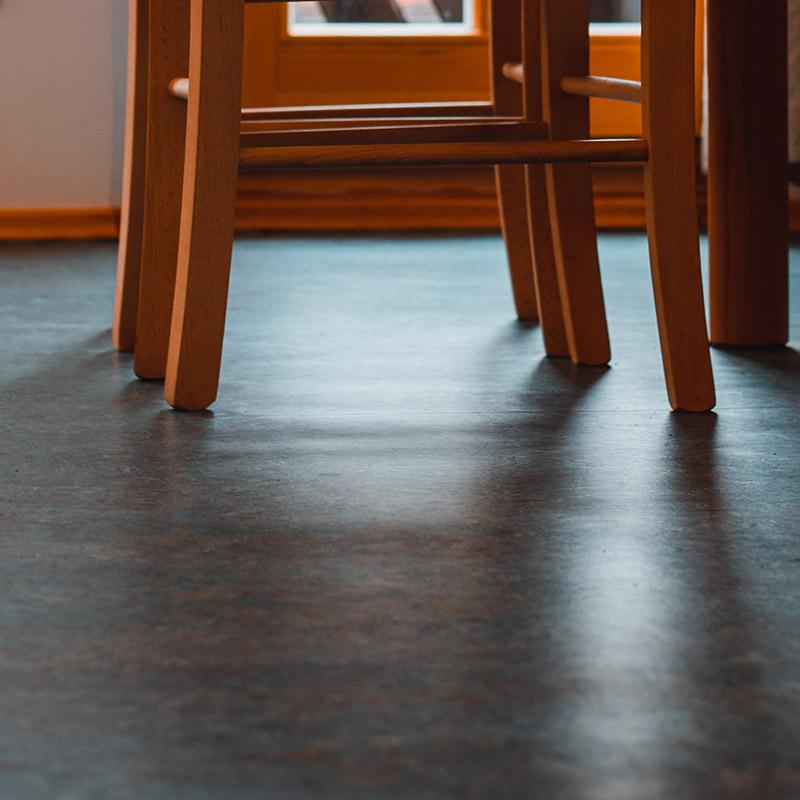 Linoleum Fußboden in der Ferienwohnung Herzltenne